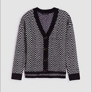 ANN TAYLOR Herringbone Boyfriend Cardigan In Black
